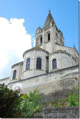 Die Stiftskirche Saint-Ours