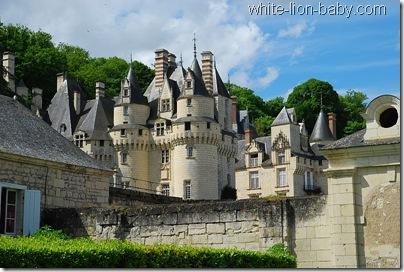 Märchenschloss mit vielen Türmchen