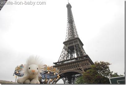 Eiffelturm aus der Nähe